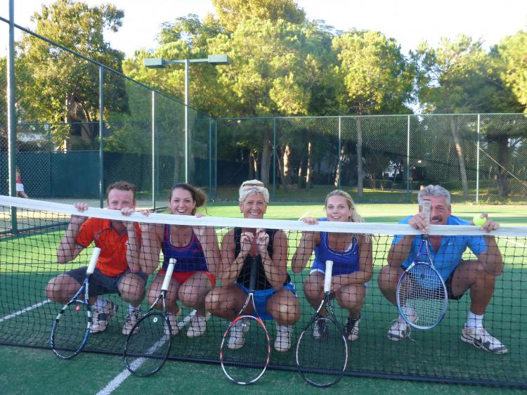 Singlereis Tennissen OP IBIZA (HBO+)